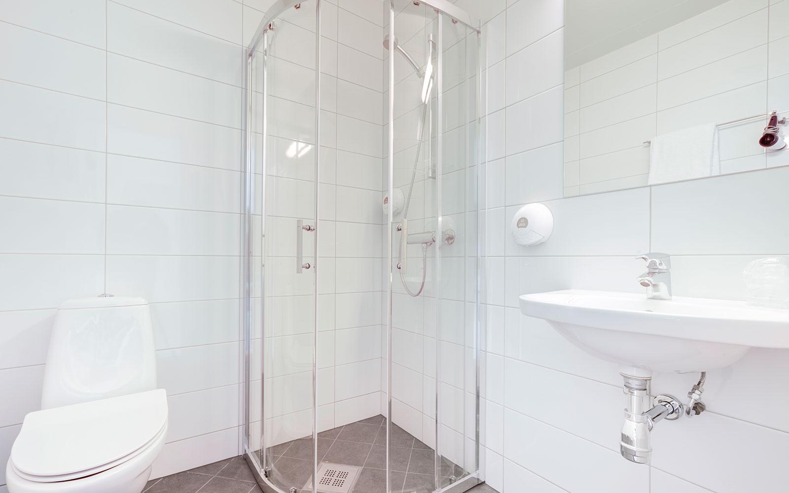 Melbu Hotell enkeltrom budget toalett og dusj