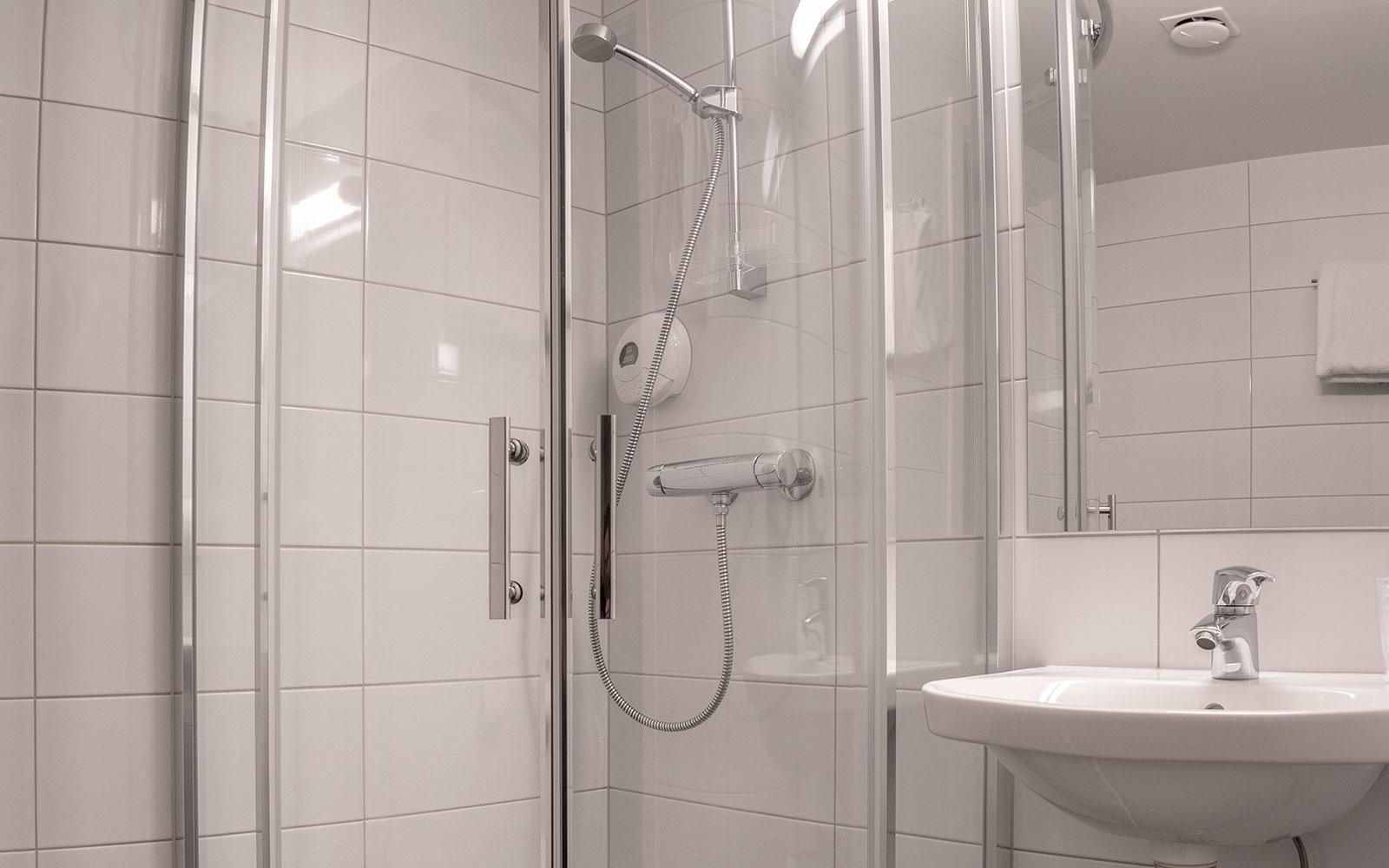 Melbu Hotell trippelrom - bad og dusj